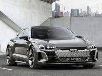 Audi e-tron GT concept.  Un coupé eléctrico de cuatro puertas.